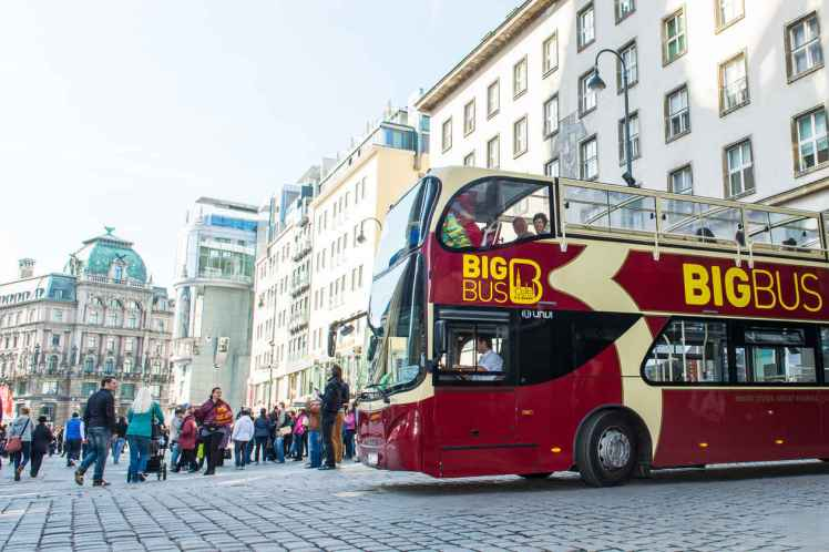 big_045_BigBusTours_Tour@2x